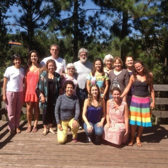 Alunos da Formação de Medicina Antroposófica da Regional MG com os farmacêuticos antroposóficos e docentes Flávio e Marilda Milanese